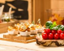 Večerní bufet pro každého v ceně ubytování